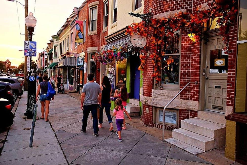 hampden-baltimore-family-urban-street