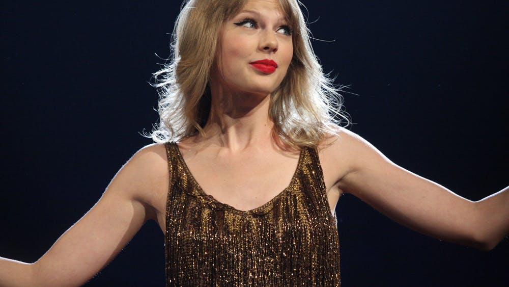 CC BY-SA 2.0 / Eva Rinaldi Taylor Swift explores concepts, such as learning when it's time to let go, in her most recent albulms.