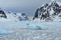 PUBLIC DOMAIN The melting of ice shelves may not have an effect on global sea levels.
