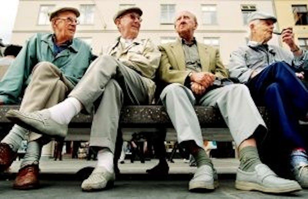 B8_Old-People-300x194