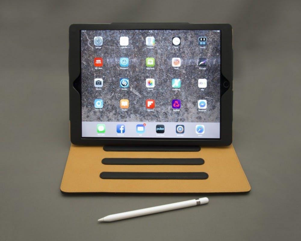 B8_iPad-1024x819