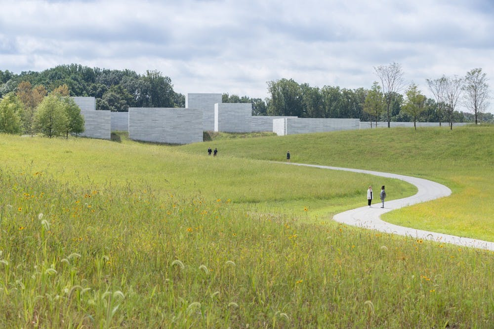 b3-1-approach-to-the-pavilions-iwan-baan-glenstone-museum-1