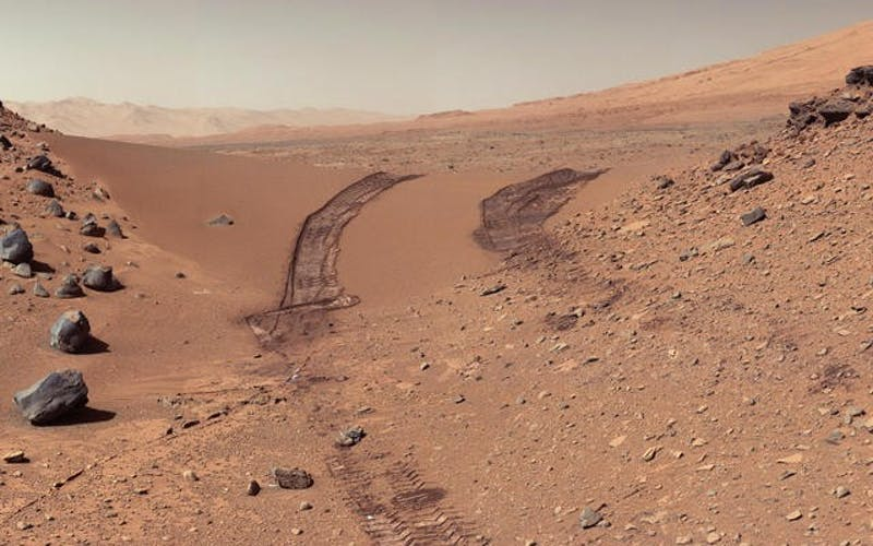 PUBLIC DOMAIN The soil composition on Mars is different from what is found on Earth.
