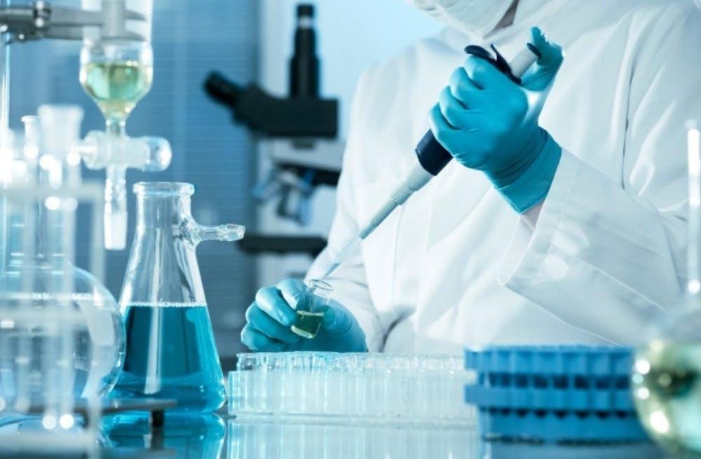 scientist-pipetting