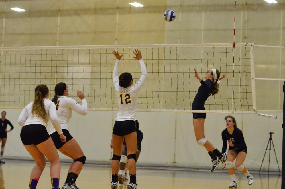 womens_volleyball_91814_gn_96