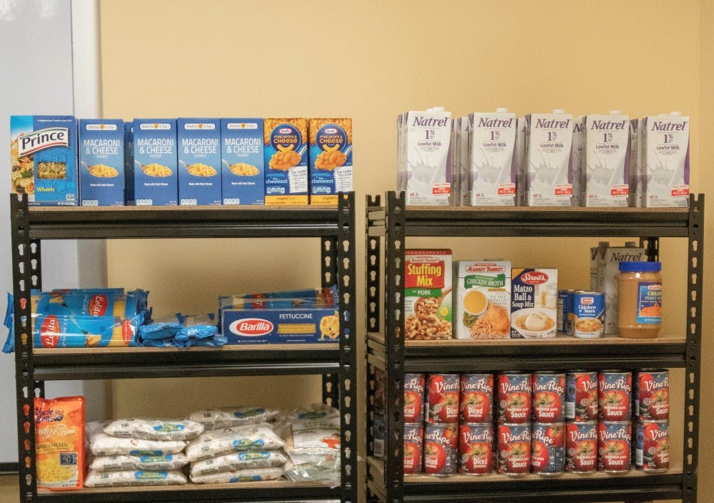 food-pantry-11-16-18-ys-0005-cropped
