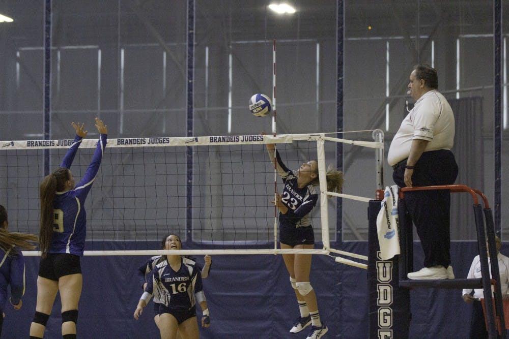 volleyball-w-vs-umpi-9-7-18-tl-0117