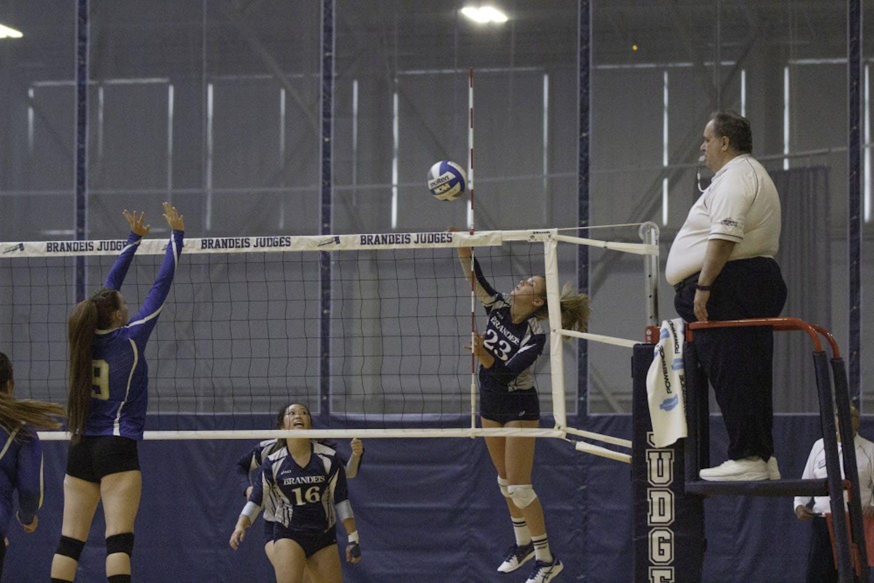 Volleyball W vs UMPI 9.7.18 TL 0117.jpg