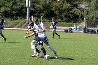 KICKIN IT: Midfielder Josh Handler '19 gains control of the ball during a game against Case Western Reserve University on Sept. 29.