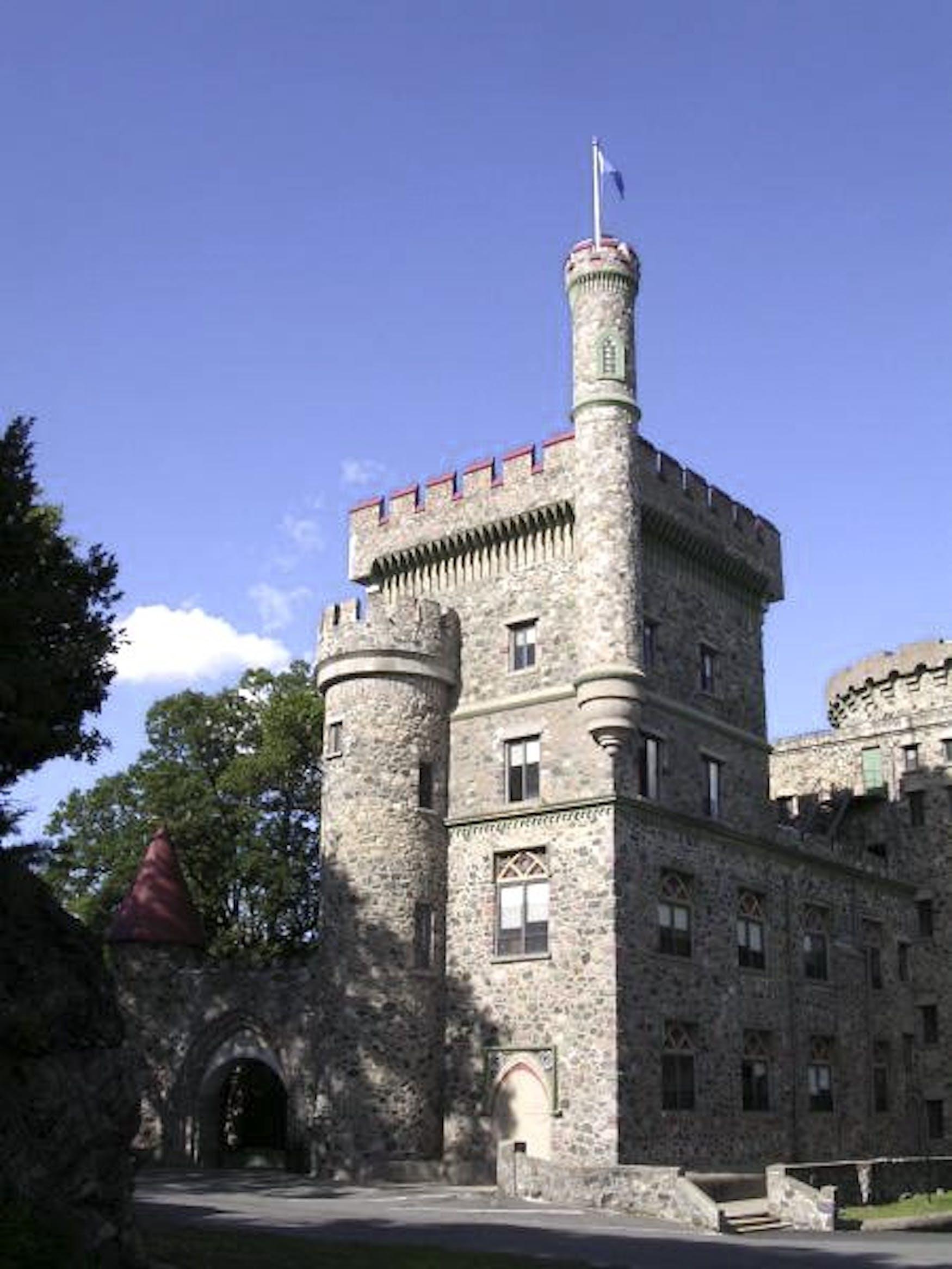 brandeis-usen-castle