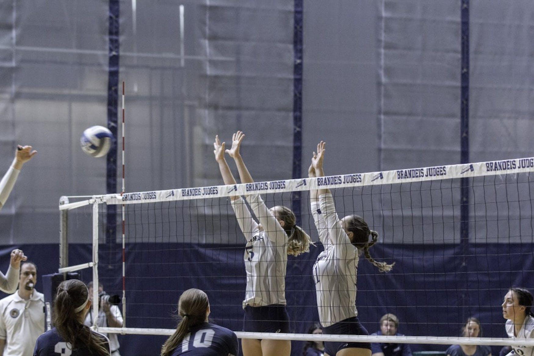Volleyball v CWRU 9.30.18 AB 0051.jpg
