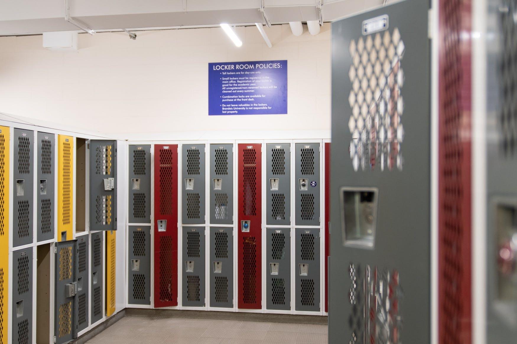 womens-locker-room-1-18-20-nw-0042