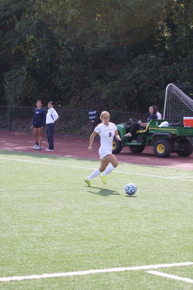 womens_soccer_vs_lesley_092014_mk_237