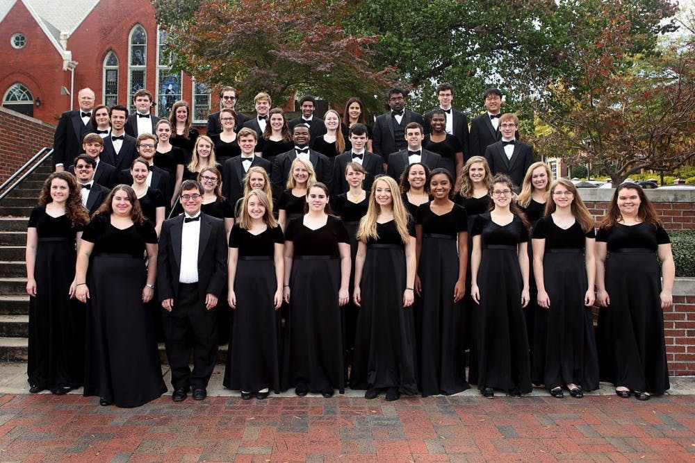 After just four weeks of school, the Mercer Singers are ready to perform in their first concert of the season.