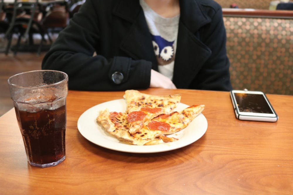Caf pizza on a Sunday afternoon.