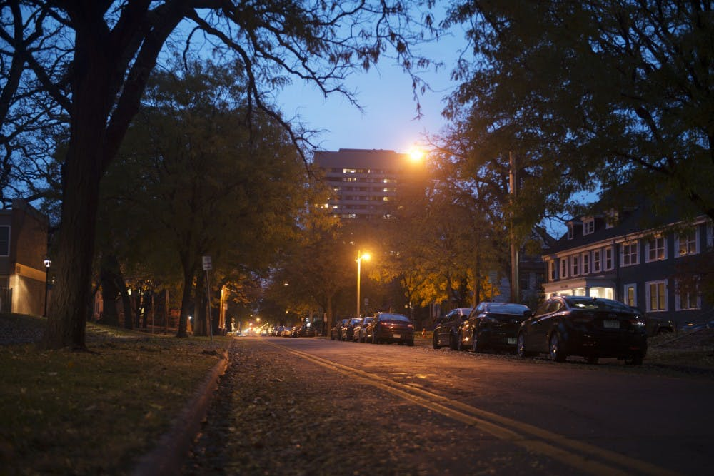 Student government advocates for street lighting in Dinkytown