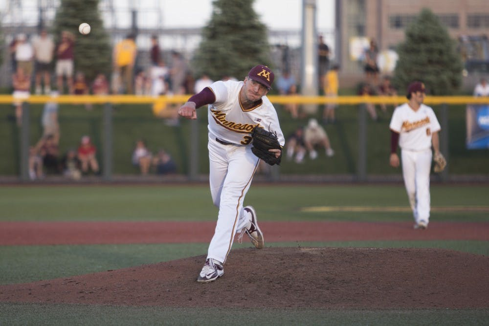 Minnesota takes first game of NCAA tournament against Canisius