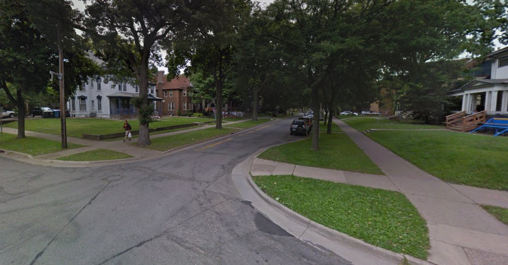 UMN student shot at and robbed near Dinkytown