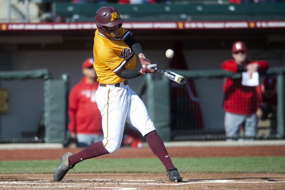 Gophers drop game to Sooners 2-1 at Target Field