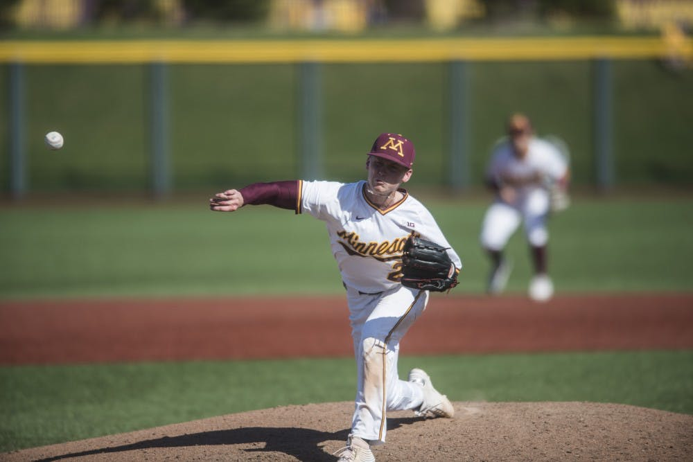 Minnesota baseball opens up season in Arizona