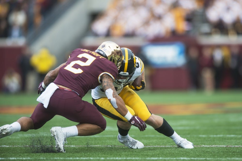 Gophers' pass defense falters in loss to Iowa