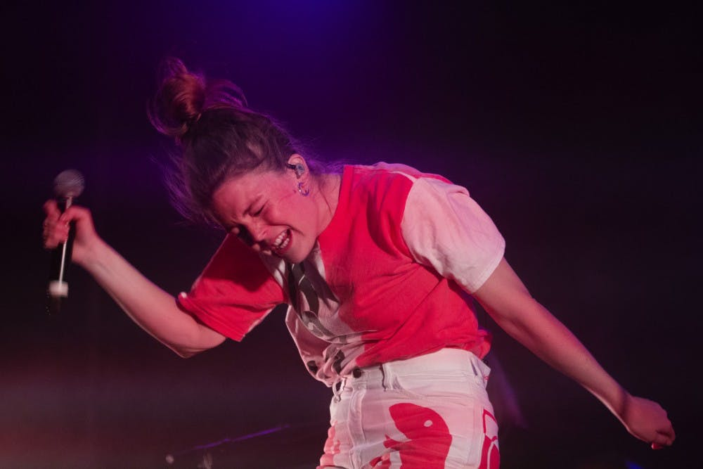 Review: Maggie Rogers grooves through show with endless energy