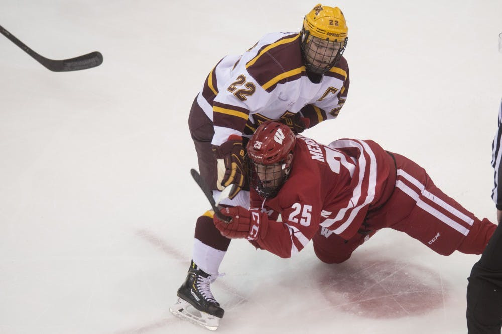 Gophers set to take on Notre Dame in final Big Ten series