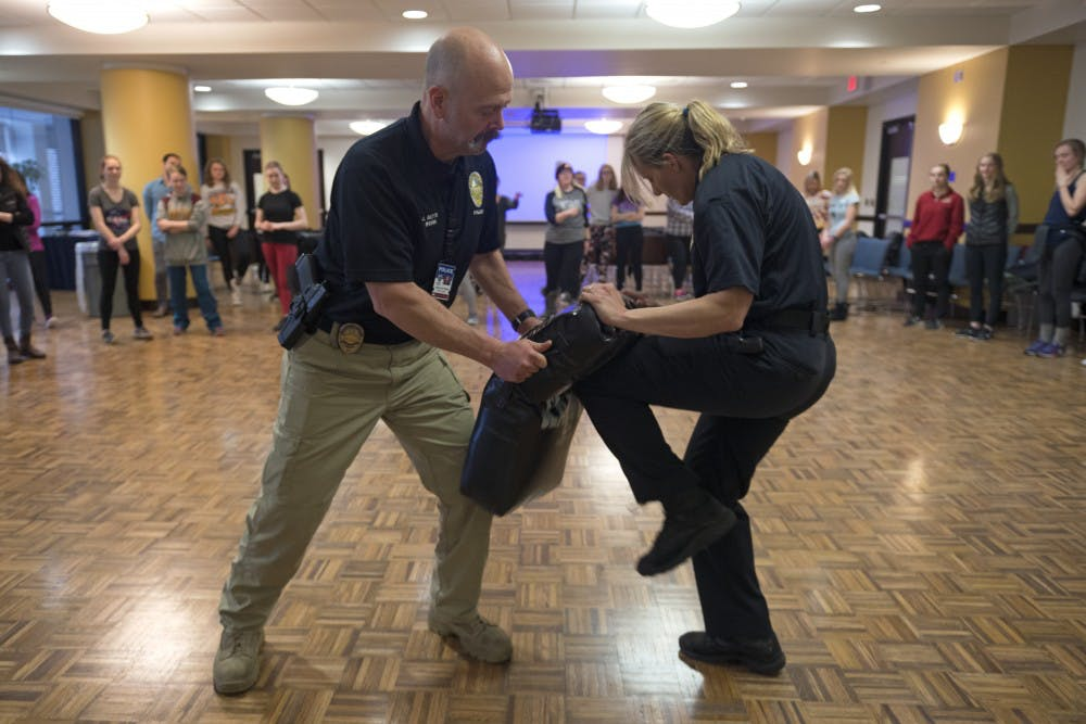 SUA, UMPD hold self defense workshop