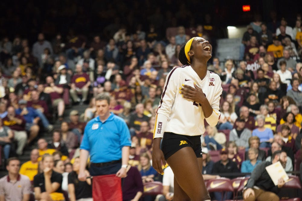 Gophers win seventh straight, open Big Ten play with pair of wins