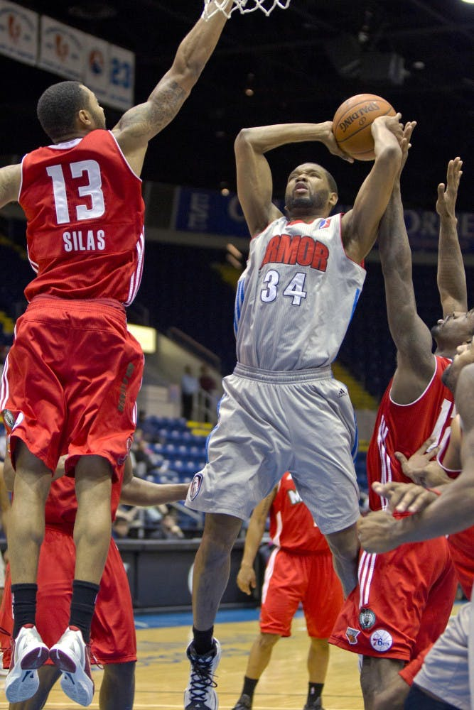 Long limbs and lateral quickness: Damian Johnson in the D-League
