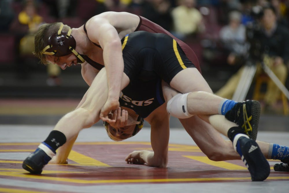 Lower weight wrestlers face early adversity