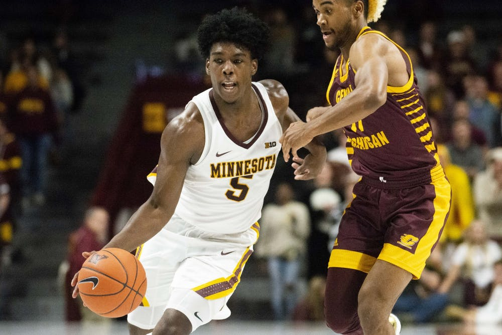 Gophers end three-game losing skid with 82-57 victory over Central Michigan