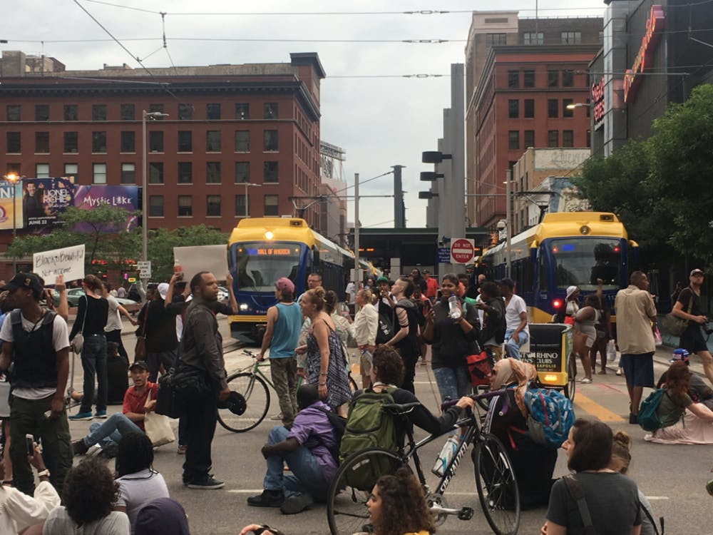 Second day of Philando Castile protests continue in downtown Minneapolis