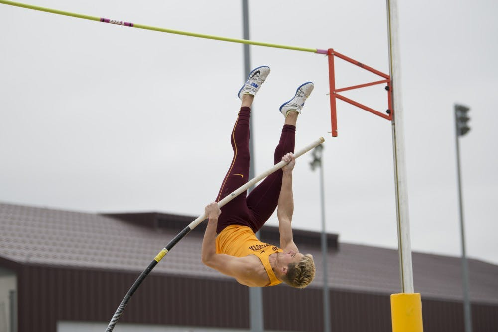 Gophers host second day of Twilight Meet