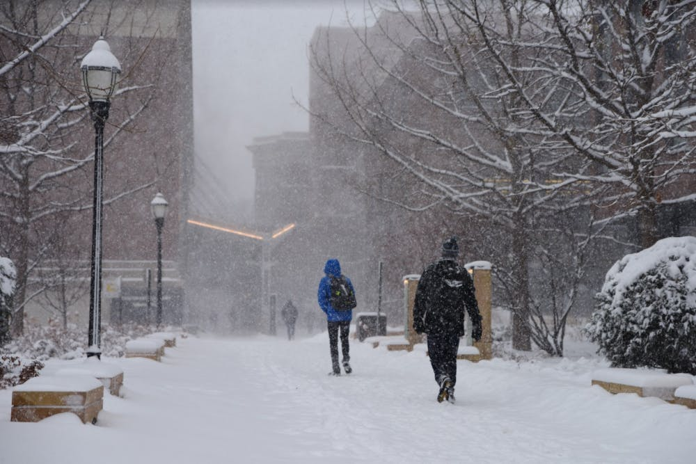 Minneapolis, UMN campus hit by snowstorm