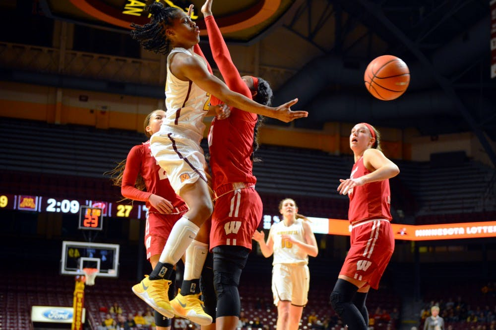 Kenisha Bell's 24 points guides Minnesota to victory over Wisconsin
