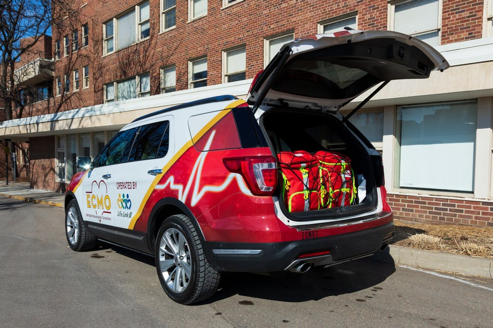 Researchers create SUV for on-the-road cardiac care