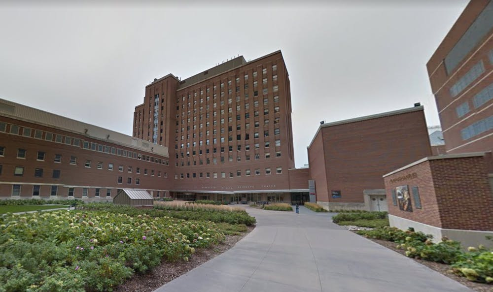UMN staff member assaulted with a bottle on East Bank