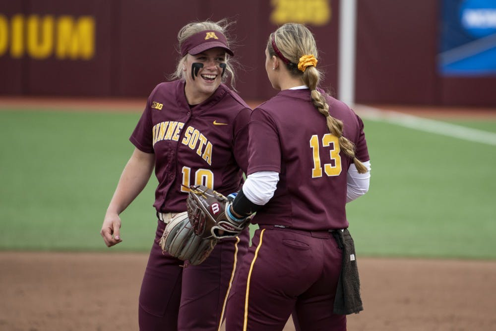 UMN Gophers softball advances to regional championship