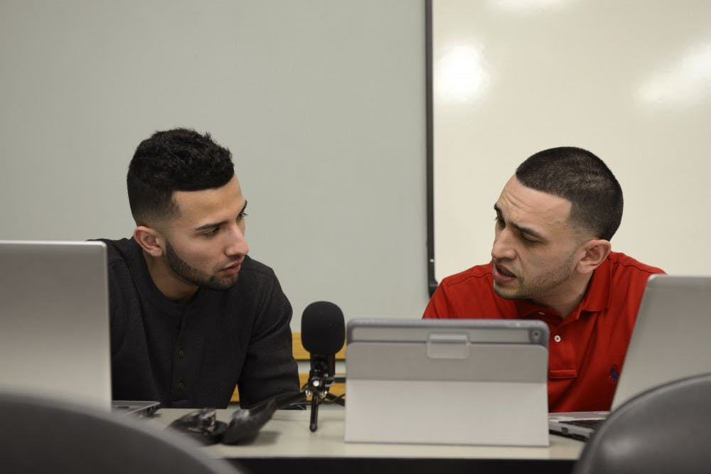 UMN student creates Spanish-language podcast with local Latino community in mind
