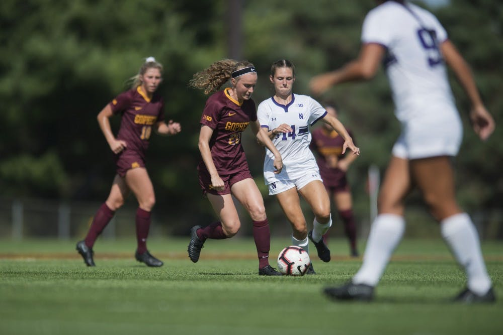 Gophers split weekend matches against Illinois and Northwestern