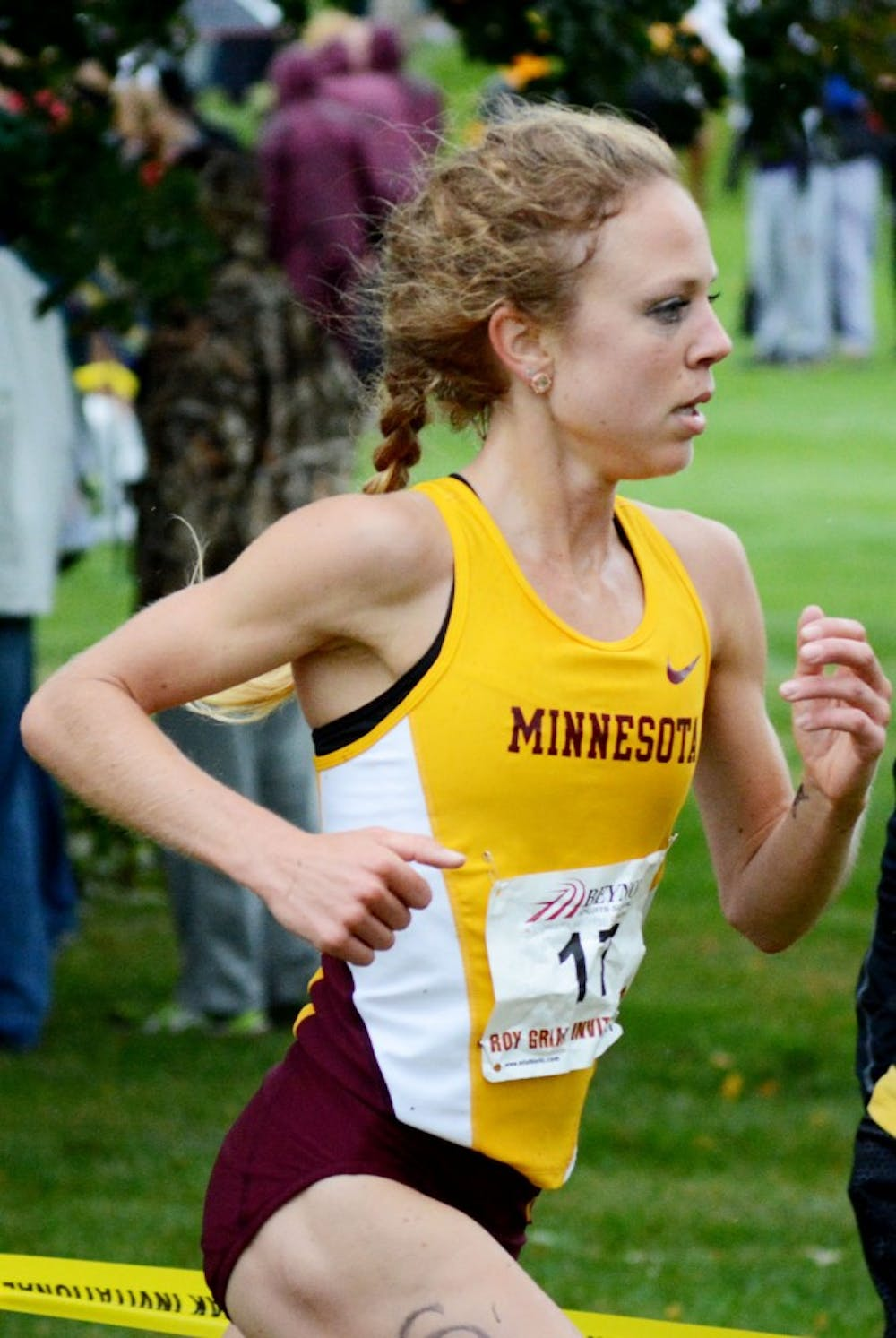 Kayfes paces Gophers to second place