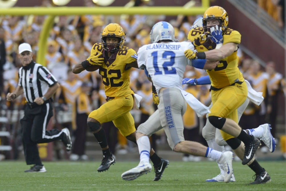 Minnesota routs Middle Tennessee after slow start