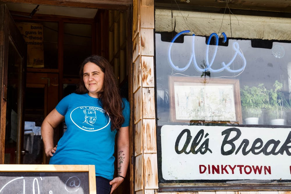 Dinkytown restaurants adapt — or falter — in the face of the pandemic