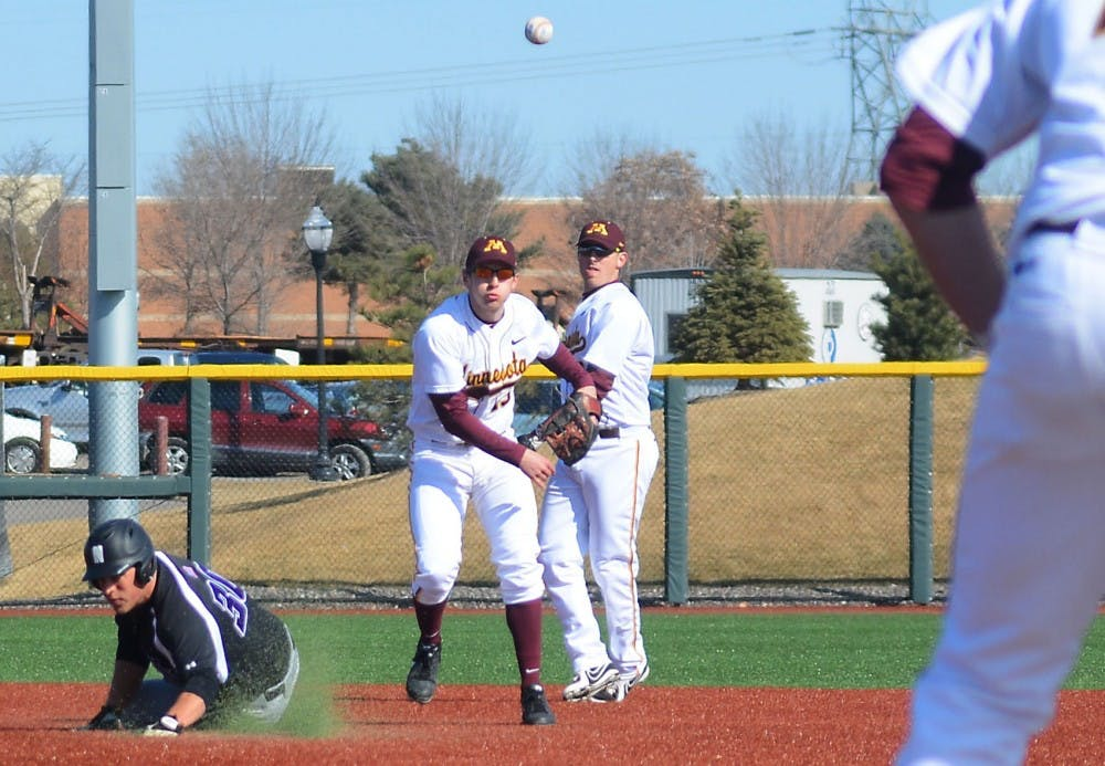 Pitching falters Sunday, Wildcats win two