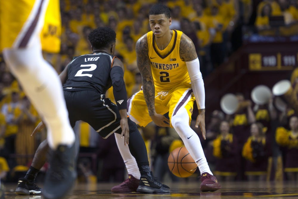 Gophers continue losing skid against unranked Arkansas