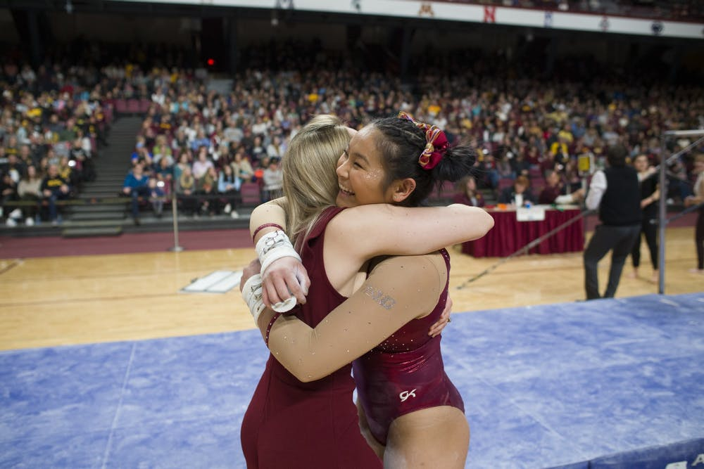 Former national champion leads Minnesota's strong beam performance