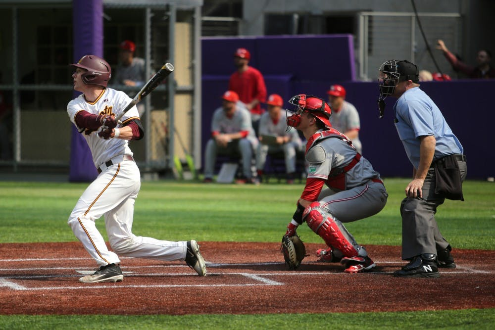Gophers rally to take series over St. John's
