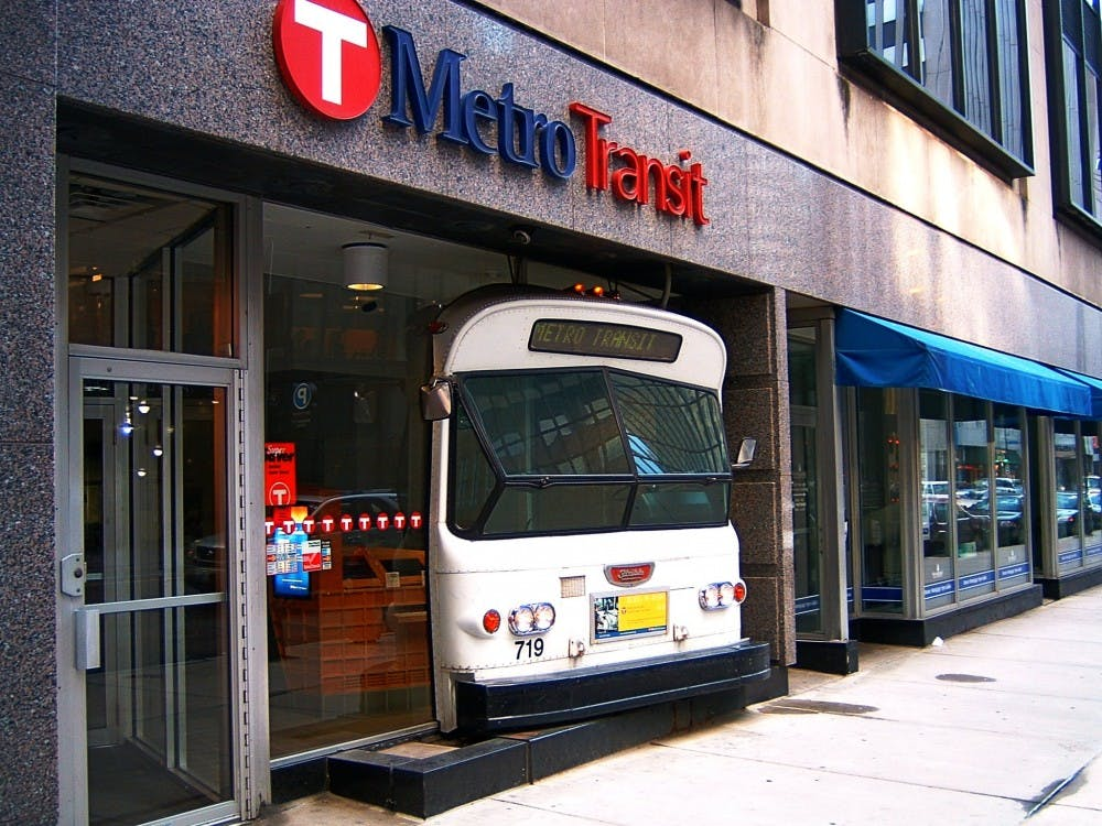 Metro_Transit-Minneapolis-2005-06-04