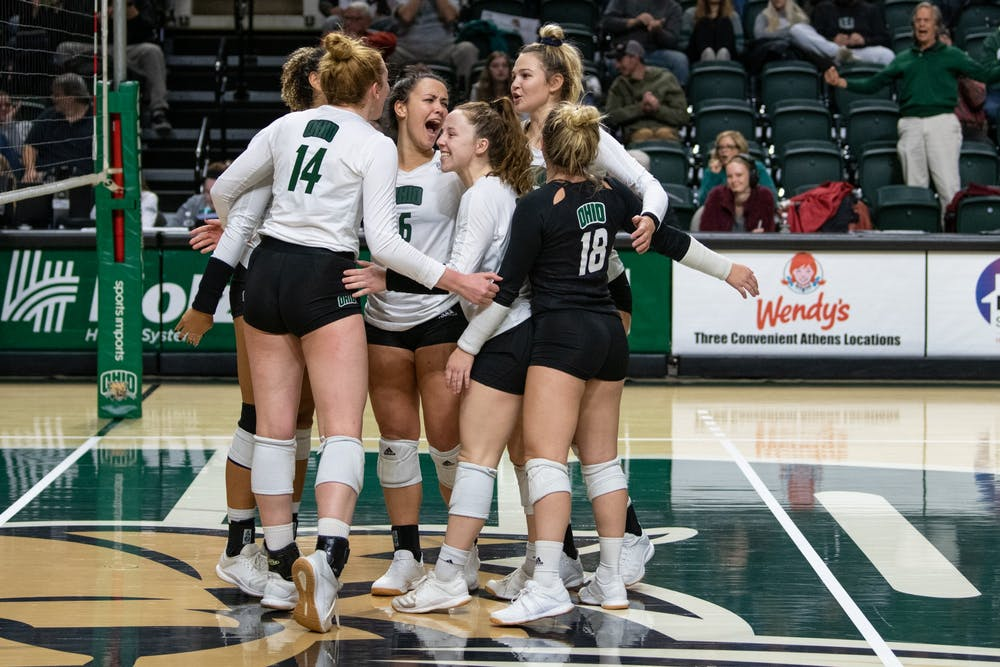 Volleyball: Ohio sweeps Central Michigan